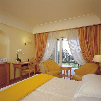 palace-hotel-camera
